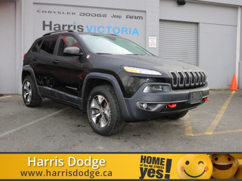 Pre-Owned 2017 Jeep Cherokee Trailhawk,Accident free