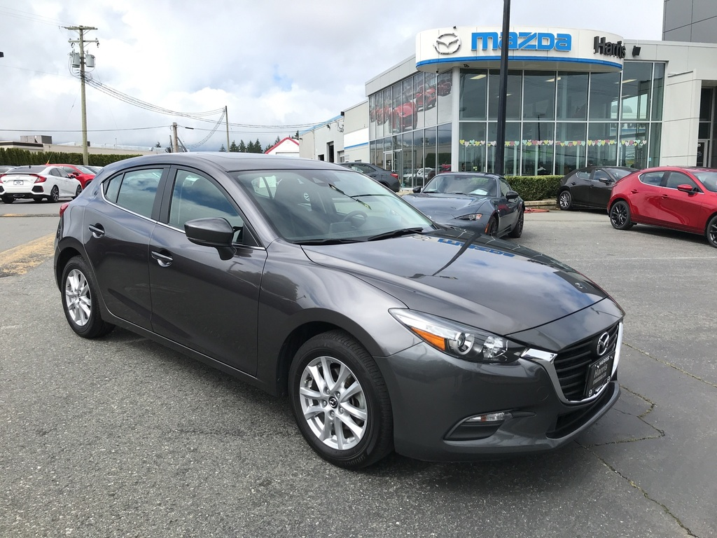Pre-Owned 2018 Mazda3 Sport ACCIDENT FREE / ONE LOCAL OWNER / CLEAN / SUNROOF!